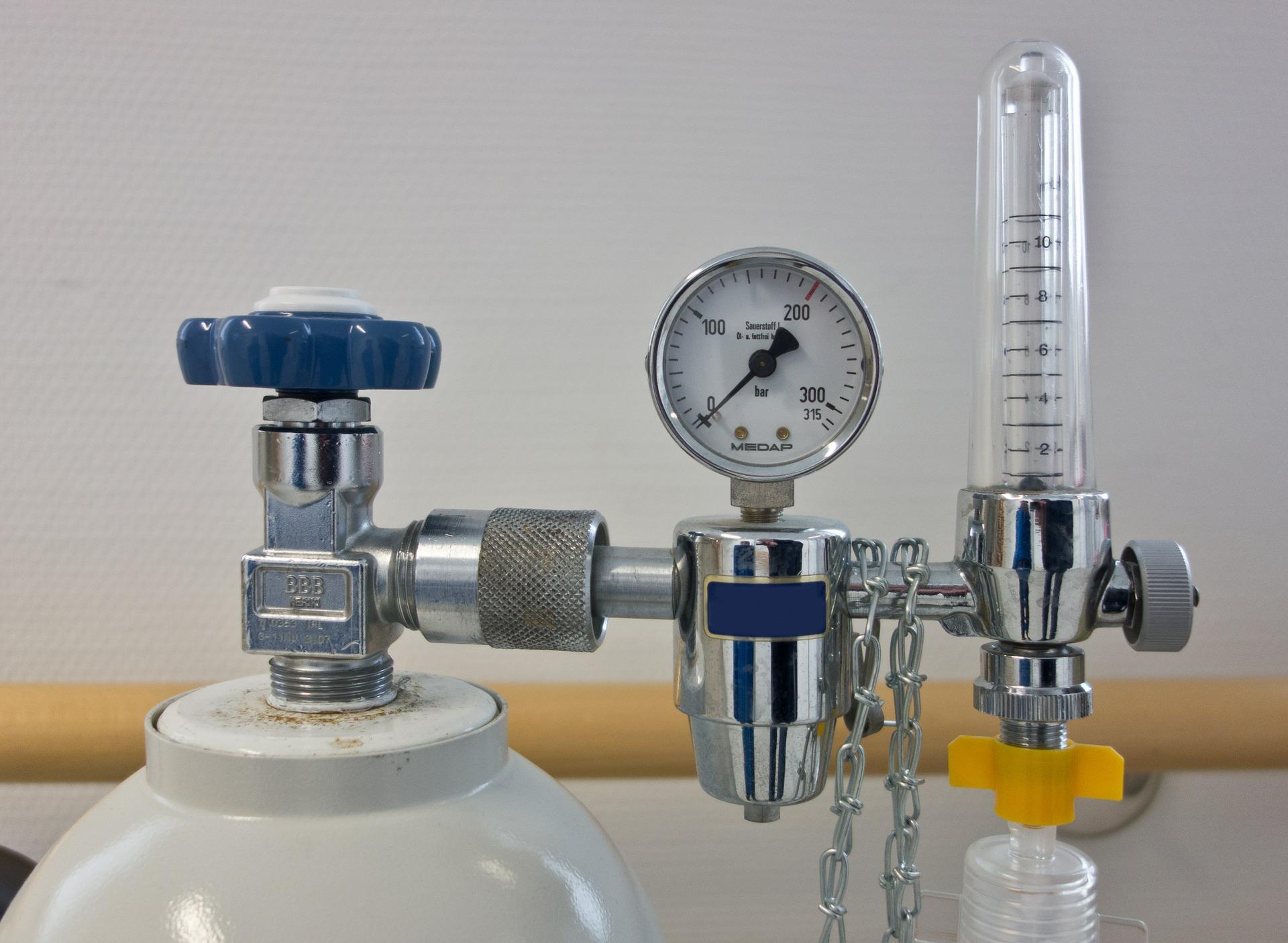高圧ガス容器と配管設備の医療ガスの識別区分について