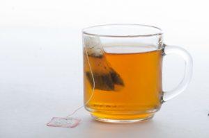 ティーパックと紅茶の画像